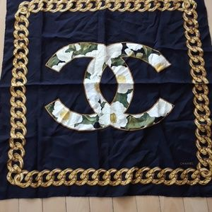 chanel scarf pris